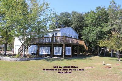Oak Island Single Family Home For Sale: 102 W Island Drive