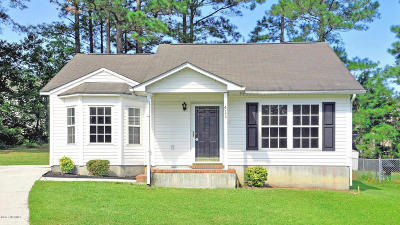 Jacksonville Single Family Home For Sale: 411 Somerset Cove