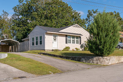 Swansboro Single Family Home For Sale: 608 W Spring Street