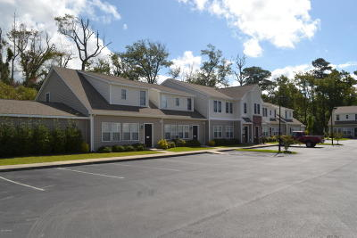 Morehead City Condo/Townhouse For Sale: 4513 Country Club Road #104-E