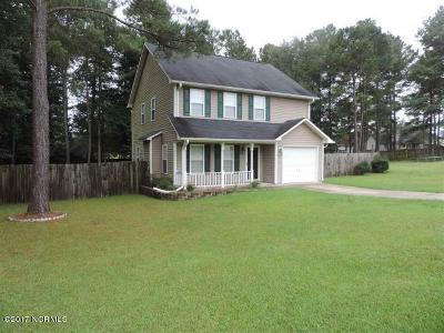 Richlands Single Family Home For Sale: 200 Reef Lane