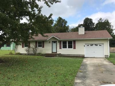Onslow County Single Family Home For Sale: 115 Meadow Trail