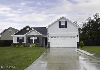 Jacksonville Single Family Home For Sale: 203 Ivy Glen Lane