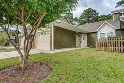Morehead City Condo/Townhouse For Sale: 1003 Cedarwood Village