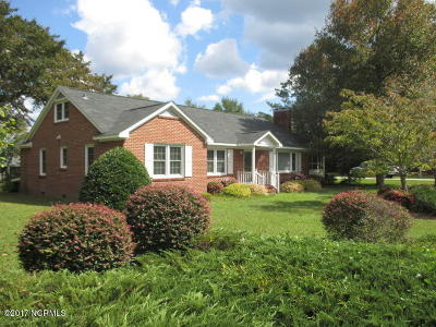 Newport Single Family Home For Sale: 478 Chatham Street