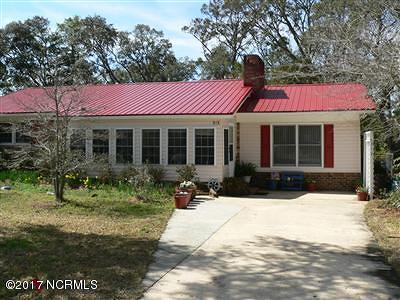 Oak Island NC Single Family Home For Sale: $299,000