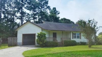 Onslow County Single Family Home For Sale: 502 Maize Court