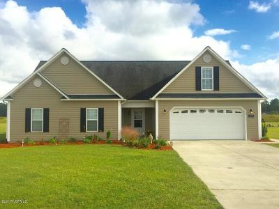 Richlands Single Family Home For Sale: 120 Cherry Grove Drive