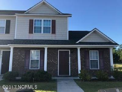 Onslow County Condo/Townhouse For Sale: 800 Springwood Drive