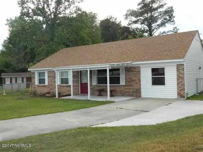Jacksonville Single Family Home For Sale: 406 Surry Court