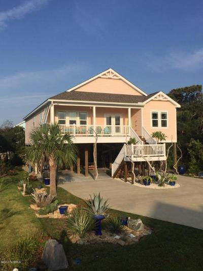 Oak Island Single Family Home For Sale: 125 SE 76 Street