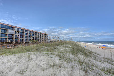 Carolina Beach, Kure Beach Condo/Townhouse For Sale: 222 Carolina Beach Avenue N #204