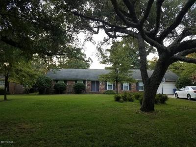 Morehead City Single Family Home For Sale: 5118 Holly Lane