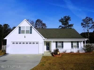 Richlands Single Family Home For Sale: 112 Farmgate Drive