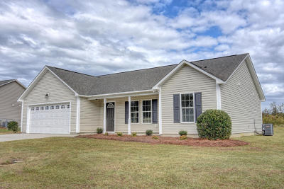 Onslow County Single Family Home For Sale: 511 SW Ridge Drive