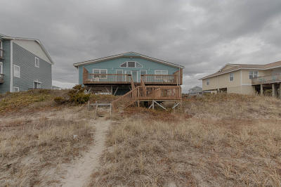 Emerald Isle Single Family Home For Sale: 1809 Ocean Drive