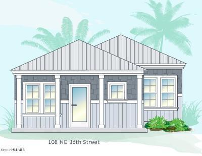 Oak Island Single Family Home For Sale: 108 NE 36th Street