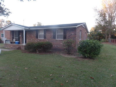Clinton NC Single Family Home For Sale: $49,000