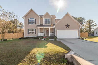 Richlands Single Family Home For Sale: 504 Sassy Court