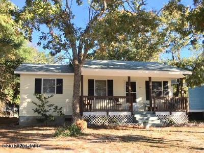 Oak Island Single Family Home For Sale: 114 NE 28th Street