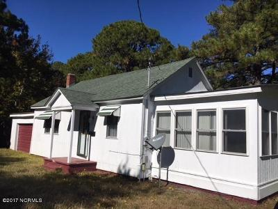 Harkers Island Single Family Home For Sale: 499 Cape Lookout Drive