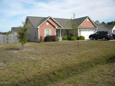 Holly Ridge, Sneads Ferry, Surf City, Topsail Beach Rental For Rent: 404 Ridgeway Lane