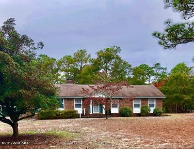 Cape Carteret Single Family Home For Sale: 102 Pine Lake Road