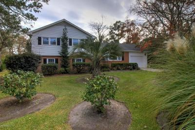 Morehead City Single Family Home For Sale: 596 Robin Road