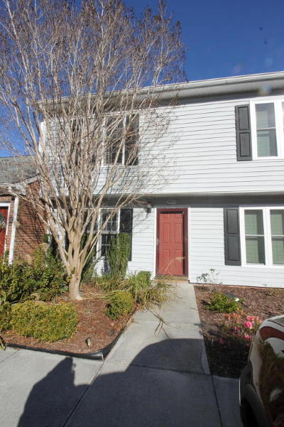 Morehead City Condo/Townhouse Active Contingent: 3200 Crystal Oaks Lane #540