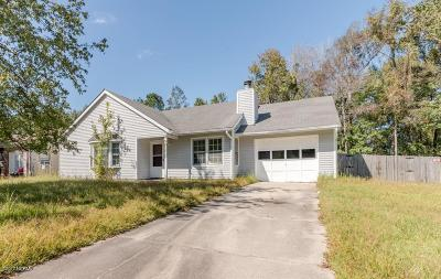Onslow County Single Family Home Active Contingent: 100 Hampton Court