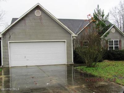 richlands Single Family Home For Sale: 223 Reef Lane
