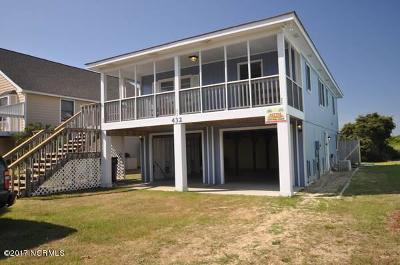 Oak Island Single Family Home For Sale: 432 Caswell Beach Road