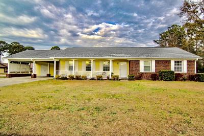 Jacksonville Single Family Home For Sale: 136 Silverleaf Drive