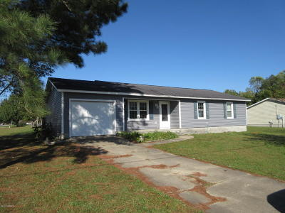 Onslow County Single Family Home For Sale: 466 Waters Road