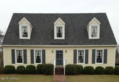 Morehead City Single Family Home For Sale: 1500 Chip Shot Drive
