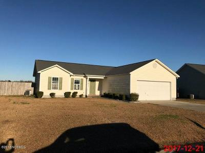 richlands Single Family Home For Sale: 225 Deer Haven Drive