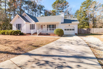 Richlands Single Family Home For Sale: 1205 Spanish Moss Court
