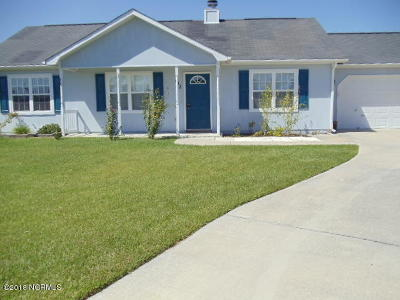 Onslow County Single Family Home For Sale: 102 Byrum Run