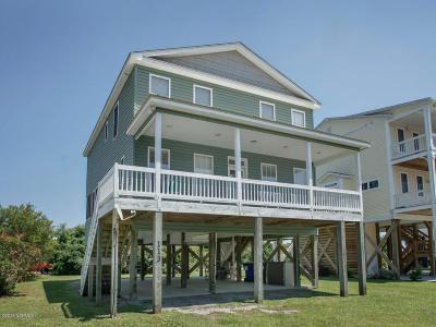 Oak Island Single Family Home For Sale: 113 SE 72nd Street