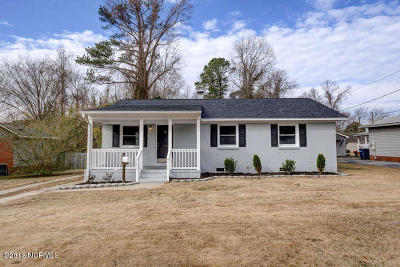 Jacksonville Single Family Home For Sale: 307 Long Acre Drive