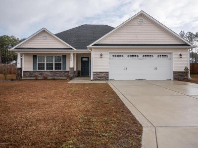 Sneads Ferry Single Family Home For Sale: 105 Regatta Way