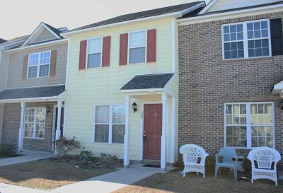 Onslow County Condo/Townhouse For Sale: 305 Bridgewood Drive