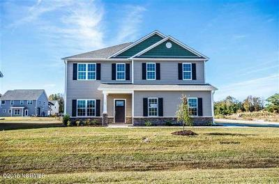 Onslow County Single Family Home For Sale: 315 Aquamarine Circle