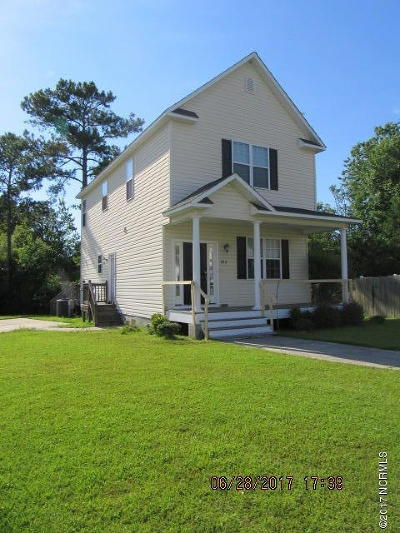 Onslow County Single Family Home For Sale: 102 Riverbirch Place