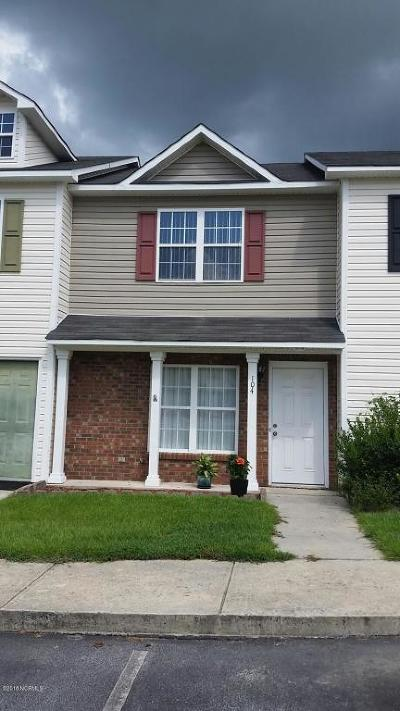 Jacksonville Condo/Townhouse For Sale: 104 Spring Meadow Circle
