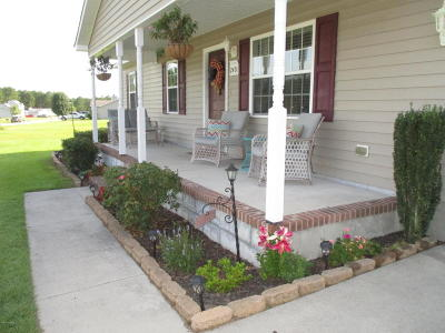 Jacksonville Single Family Home For Sale: 240 Bishop Drive