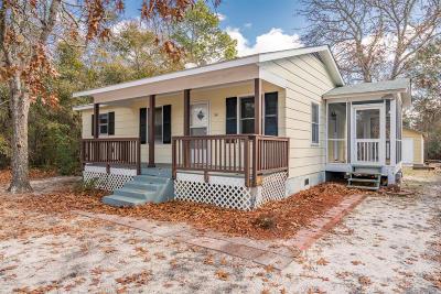 Oak Island Single Family Home For Sale: 114 NE 28th Street