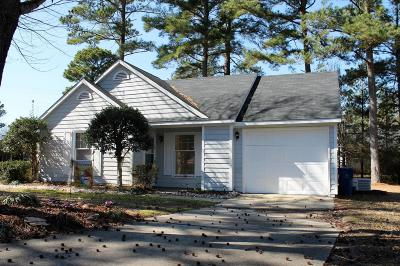 Onslow County Single Family Home For Sale: 105 Tiffany Court