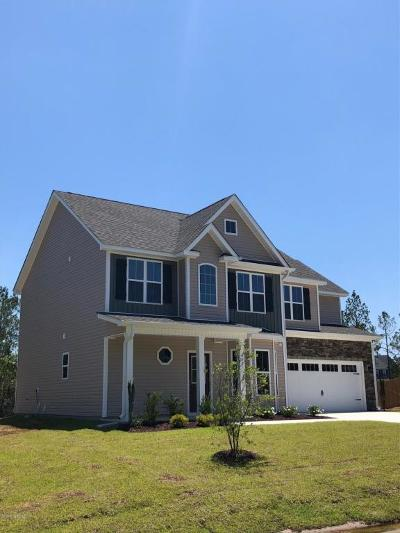Onslow County Single Family Home For Sale: 410 Belhaven Court