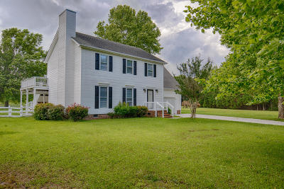 Sneads Ferry Single Family Home For Sale: 121 Gemstone Drive